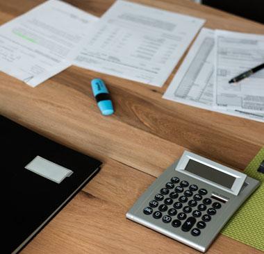 Arbeitsplatz Kanzlei Hardekopf Info Icon Steuerberater für Bückeburg Minden & Petershagen